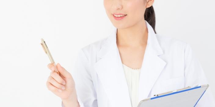 耳鼻科の女医