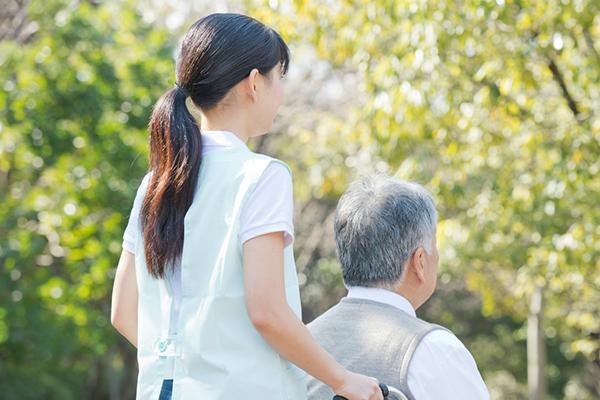 介護される老人